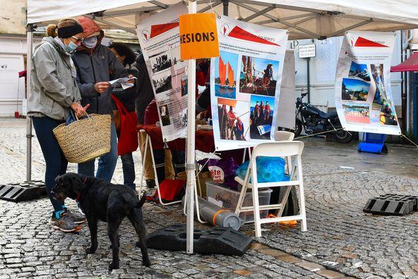 les Amis du Sinagot étaient présents sur le marché de Vannes
